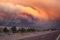 普耶韋火山的火山灰雲