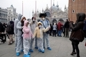 中國境外的COVID-19疫情顯示旅行禁令無效