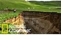 連日大雨後,紐西蘭驚現200公尺長大滲穴
