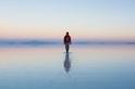 一個人的日出:烏尤尼鹽沼