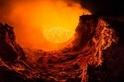 火山自拍照:滾滾熔岩