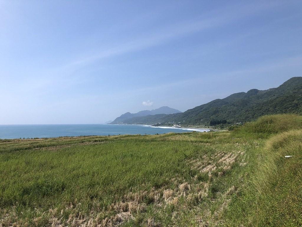 新社部落半島水梯田一路延伸到海。<br>攝影:廖靜蕙