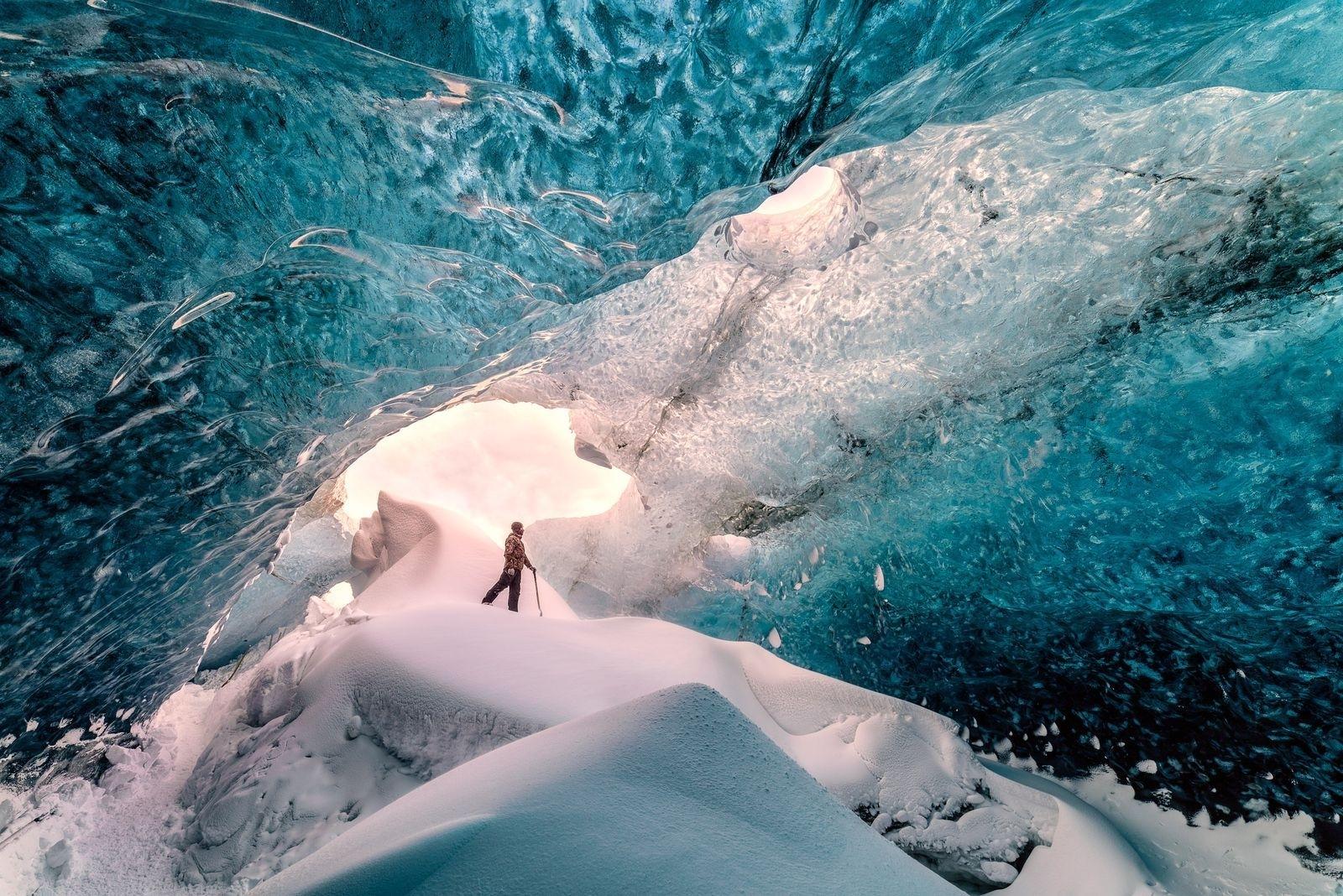 冰洞探索 攝影:Raffaele Cabras, 國家地理〈你的觀點〉