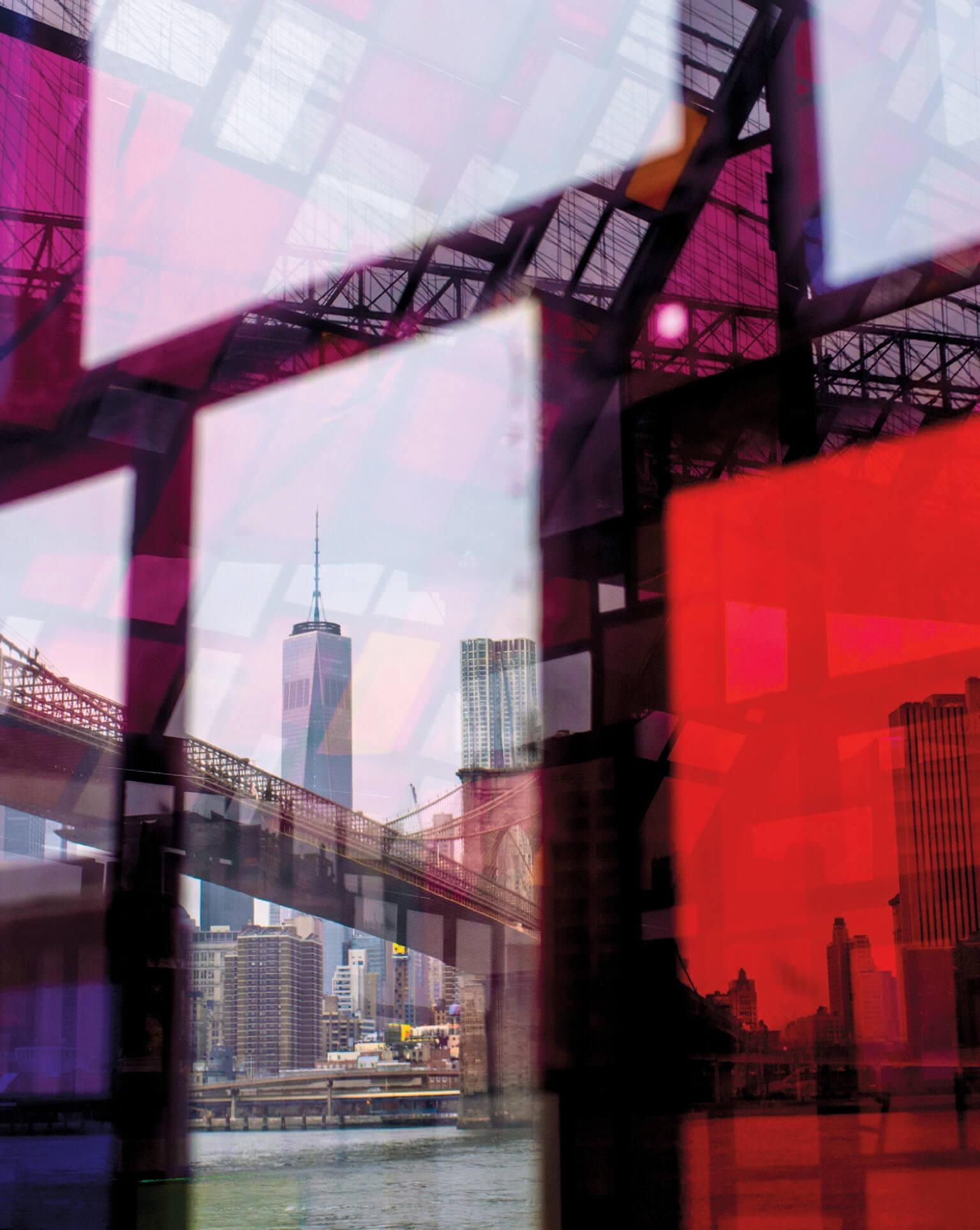 戴夫.佩克美國紐約市,皇后區某天,佩克在布魯克林大橋公園一處被稱作丹波的區域散步時,透過一座玻璃雕塑拍攝曼哈頓一隅。他隨即將這張照片拋諸腦後。幾個月後,他的妻子發現他捕捉到了特別的東西,那就是一個觀看這條世界知名天際線的原創視角。攝影:戴夫.佩克