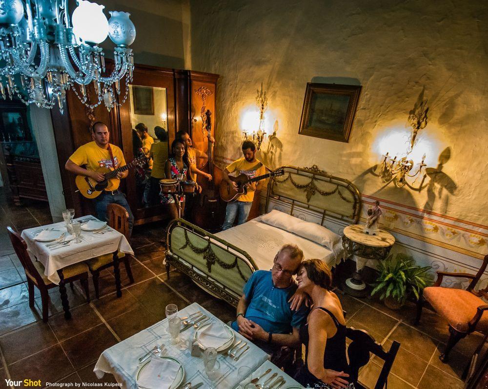 古巴餐廳的美好夜晚