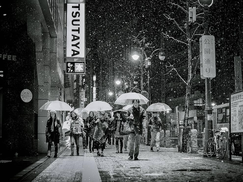 東京:雪夜紛飛