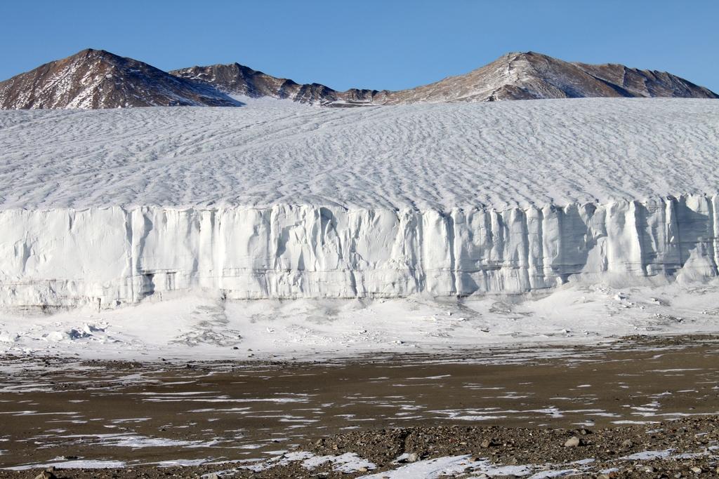 南極的大英國協冰川。Eli Duke, via flickr, (CC BY-SA 2.0)