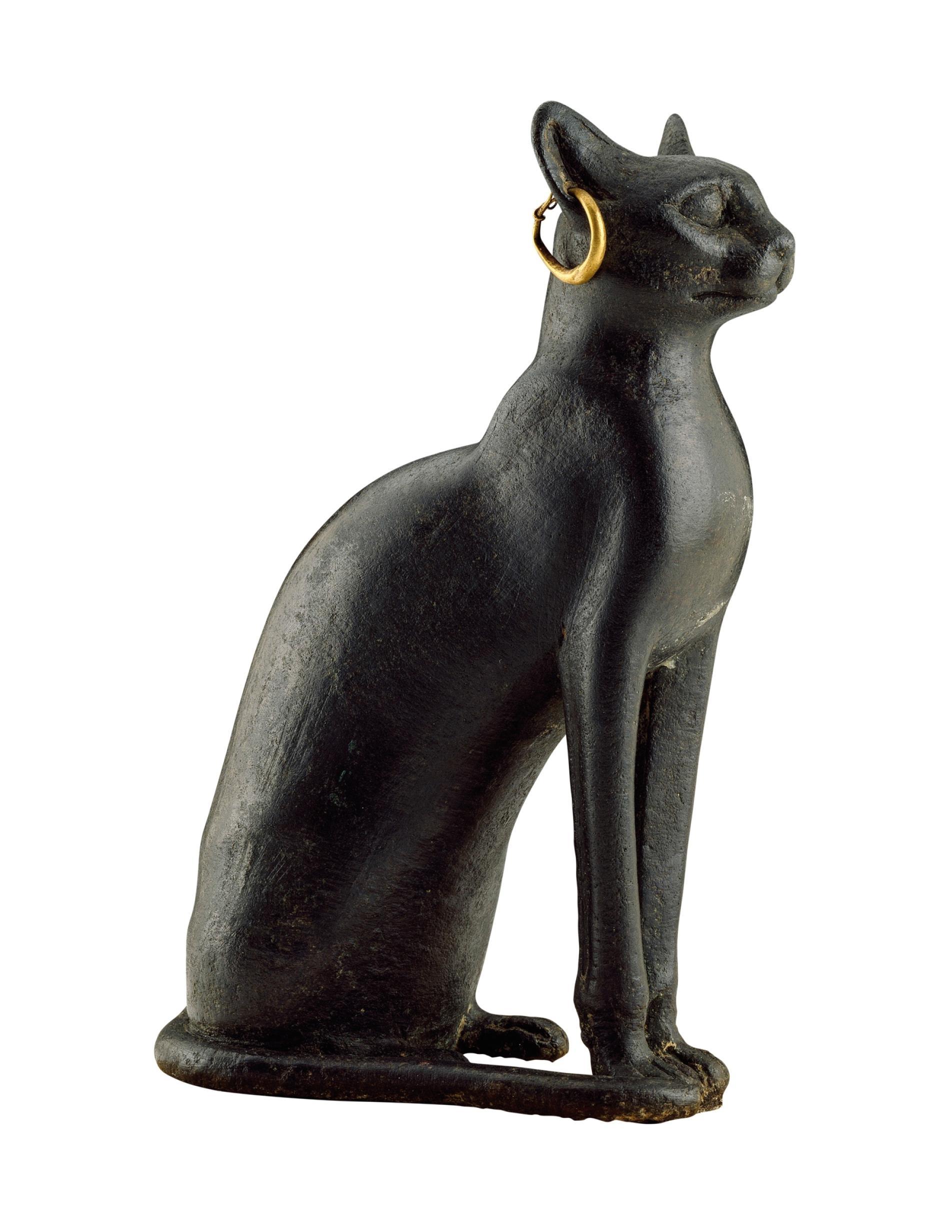 銅製的貓神芭絲特(Bastet)雕像。製作於西元前8至4世紀。PHOTOGRAPH BY MARY EVANS/SCALA, FLORENCE