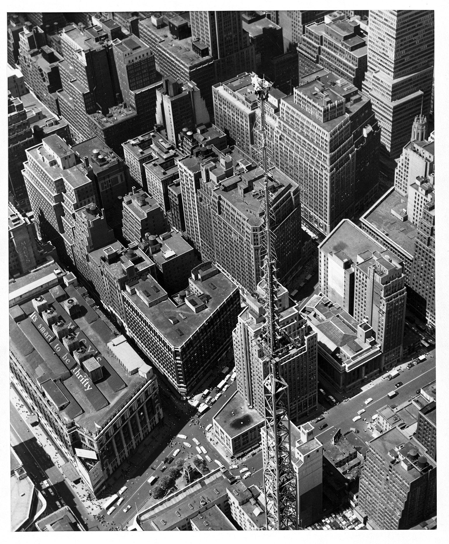 PHOTO: PUBLICITY ASSOCIATES, NEW YORK CITY/NATIONAL GEOGRAPHIC CREATIVE