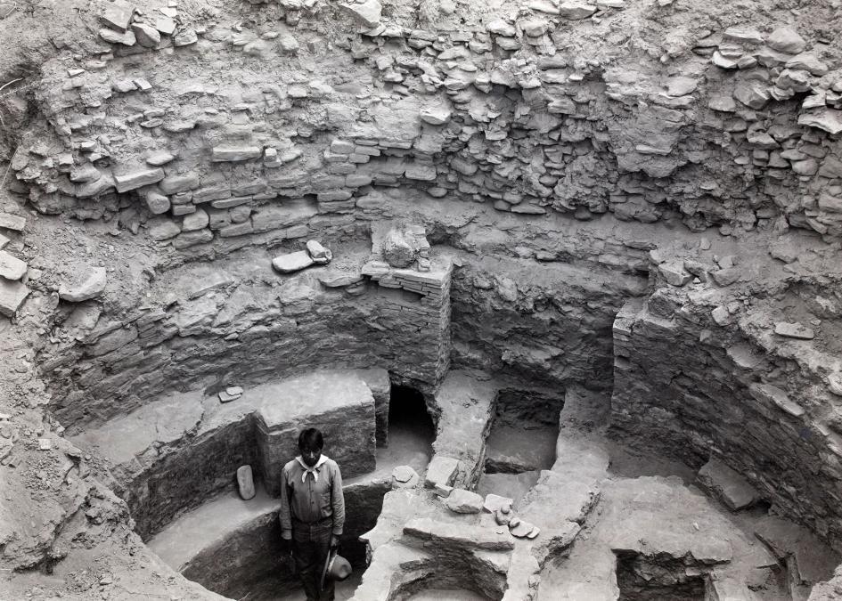 普韋布洛波尼托發掘出的一座火坑與儀式建築入口。PHOTOGRAPH BY NEIL M. JUDD, NAT GEO IMAGE COLLECTION