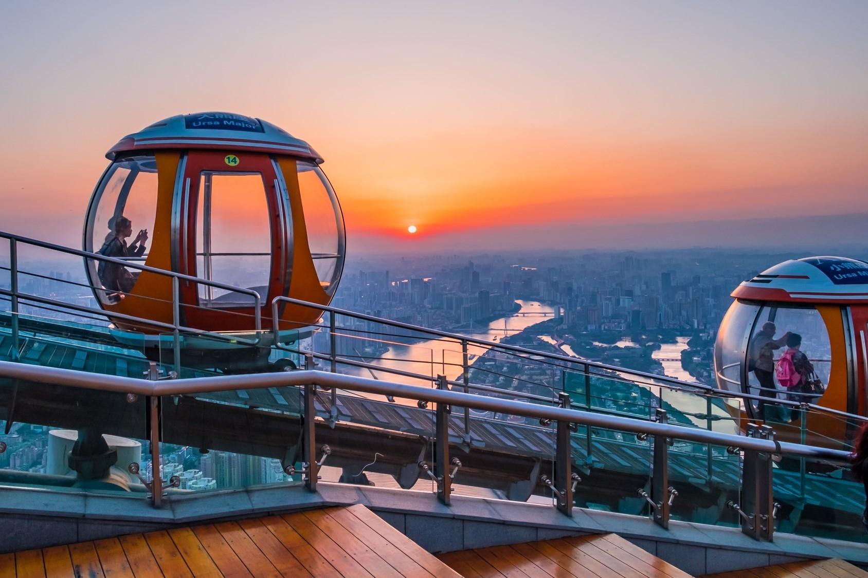 廣州塔:橫向摩天輪