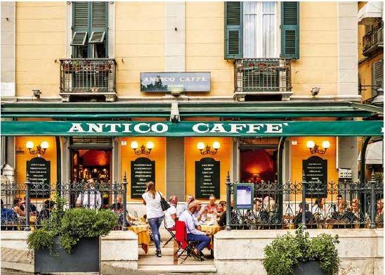 卡利亞里的古風咖啡館(Antico Caffè)於1855年開張,是藝術家與當地居民的交誼中心,也是義大利國家文化資產部認定的古蹟。
