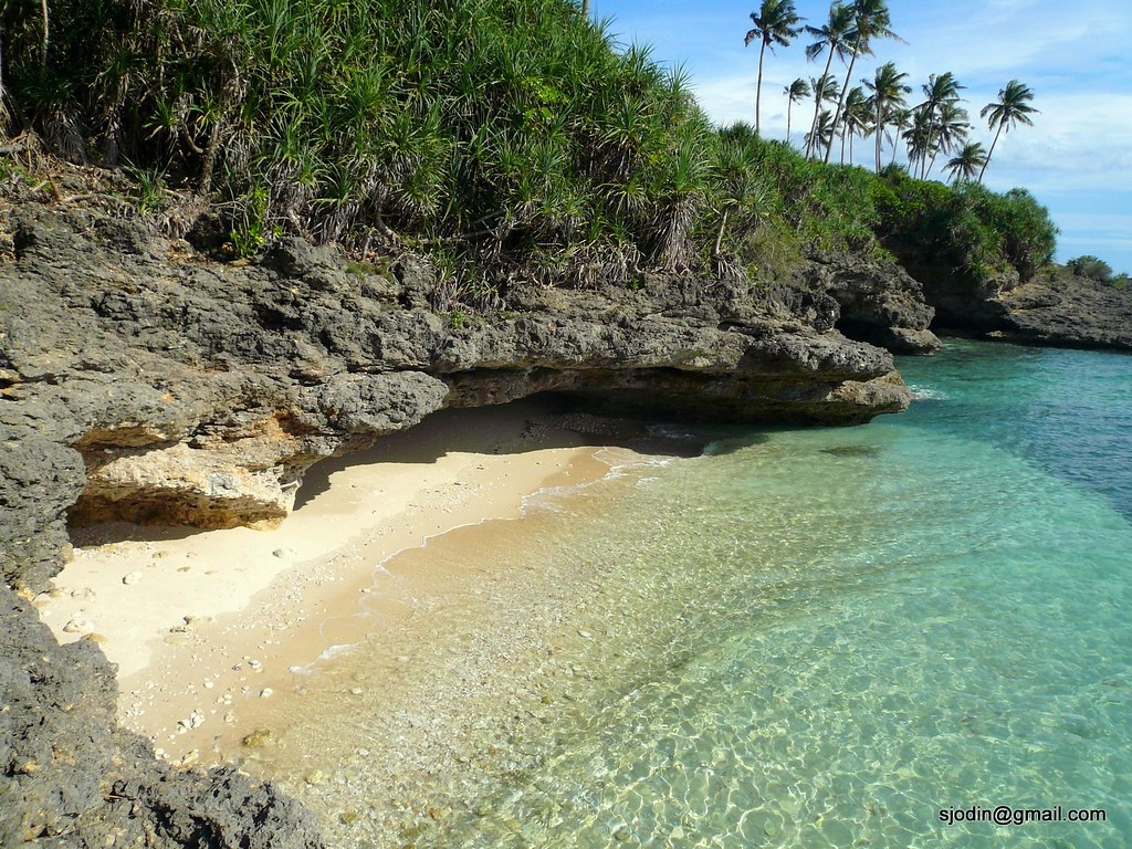 吉馬拉斯島一處幽靜的海灘。Mats Sjödin攝(CC BY 3.0)