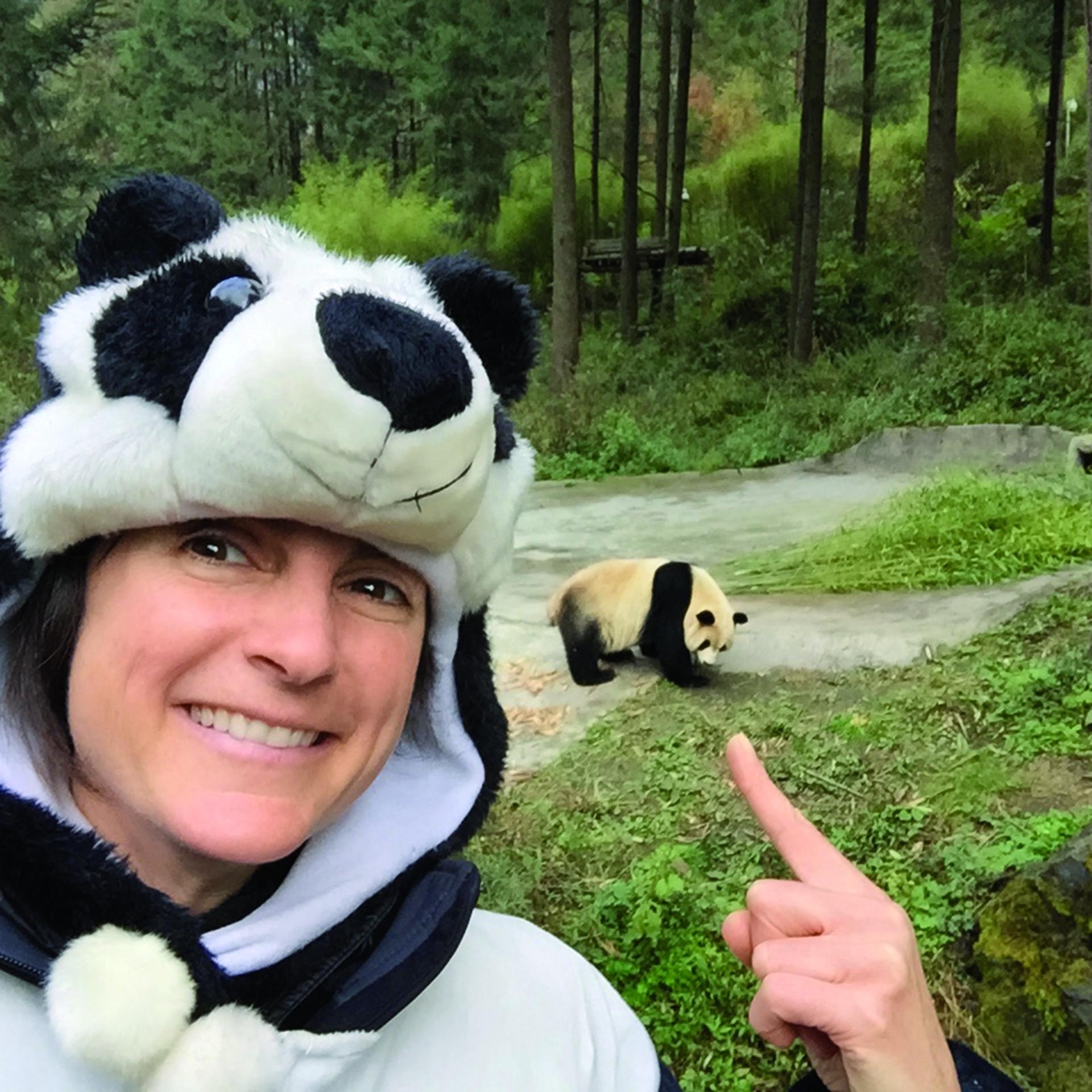 艾美.維塔利在中國四川省的貓熊研究中心。攝影:艾美.維塔利
