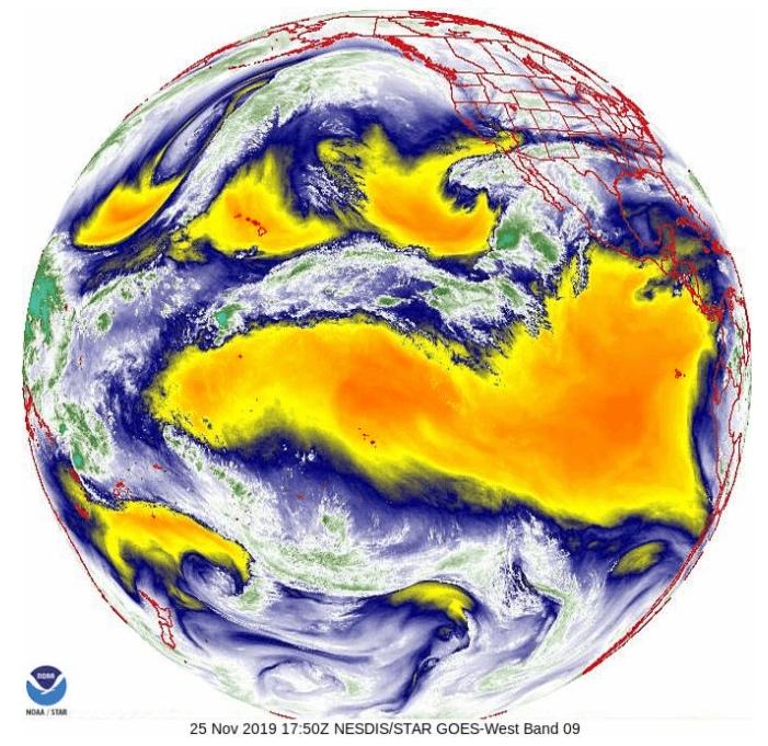 在天上的衛星所裝設的儀器能測量大氣中的水氣含量,而要做出精準正確的天氣預報,這項資訊非常重要。不同的儀器利用電磁頻譜上不同的「頻段」測量水氣;在這個GOES-16衛星上的儀器測量的是水氣的紅外線訊號。PHOTOGRAPH COURTESY NOAA, NESDIS CENTER FOR SATELLITE APPLICATIONS AND RESEARCH