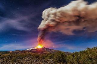 埃特納火山爆發