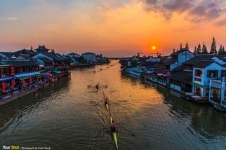 中國朱家角古鎮的夕陽