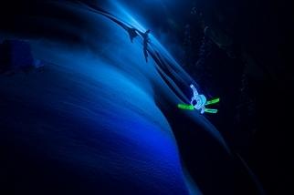 影像藝廊:夜幕下滑雪