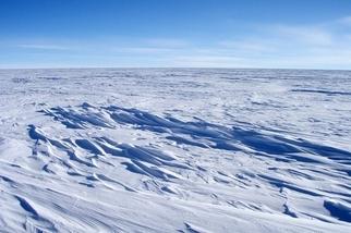 地球上最冷的地方創下低溫新紀錄,地點在南極洲