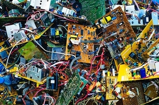 法屬玻里尼西亞:電腦零件