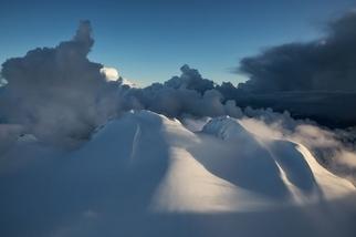 天際間的加拿大山巒