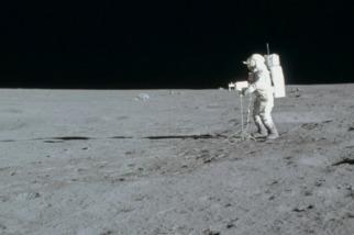 地球最古老岩石的奇幻月球之旅