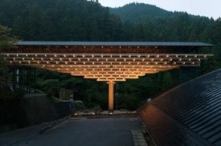 《細看建築》檮原木橋博物館