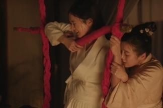 坐草、抱腰、婆姑相助!1500 年前古人的「溫柔生產」