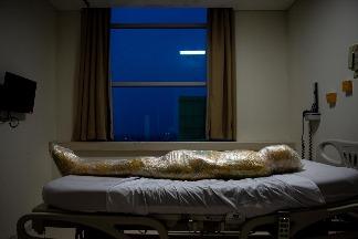 這張COVID-19罹難者的照片引人深思,卻也使人不願面對