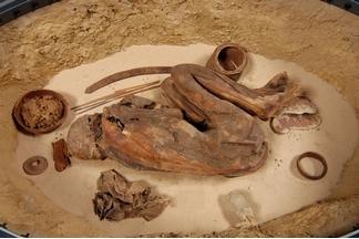 史前木乃伊透露古埃及人已知最早的「防腐油膏」