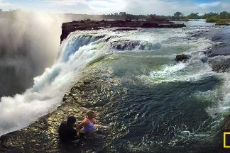 360度臨場體驗:飛越維多利亞瀑布與「魔鬼游泳池」