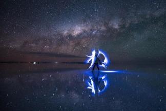 在天空之鏡揮舞光劍