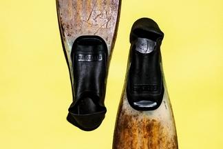 名留青史的蛙鞋