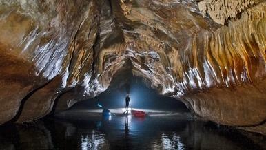 探險直擊:探索世上最長海蝕洞