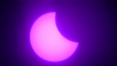 一分鐘看日食