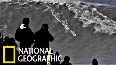 衝浪好手征服24公尺巨浪,刷新世界紀錄!