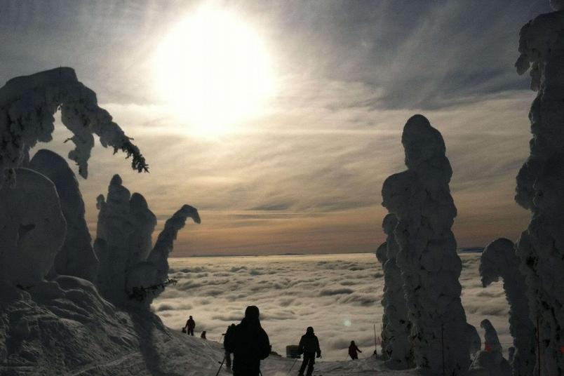在天堂滑雪