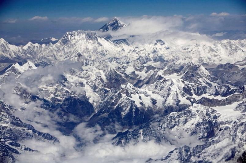 尼泊爾強震後聖母峰位置移動 高度不變