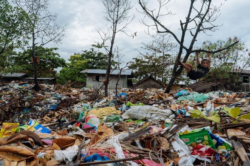 「要塑膠還是要地球?」這些社區將廢棄漁網變成地毯