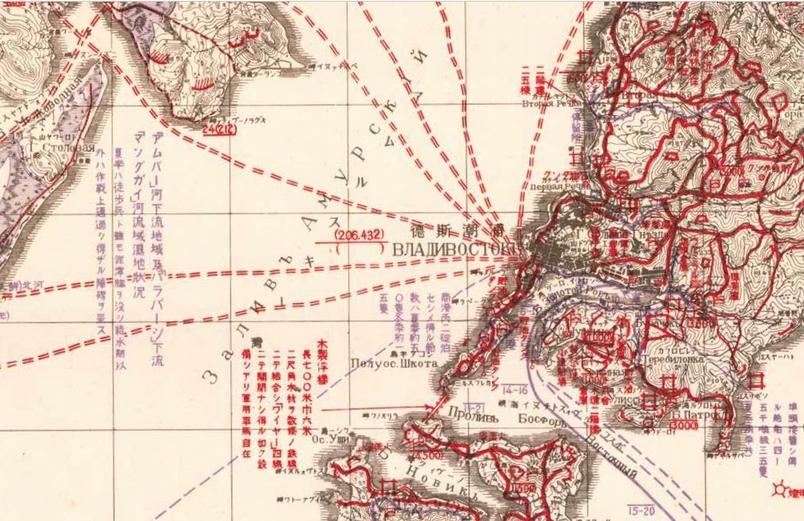 這張1938年的俄國夫拉迪沃斯托克地圖,就直接畫在一張俄製地圖上。日文注釋敘述了渡船航線和其他運輸系統,包括橋梁類型的說明。
