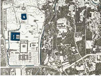 這張局部圖取自一張京城(Keijo)地圖,京城是日本人在1926年到1945年統治韓國期間對現今首爾的稱呼。左邊的白色區域是一大片公共空間,原本是一座14世紀宮殿的場地。