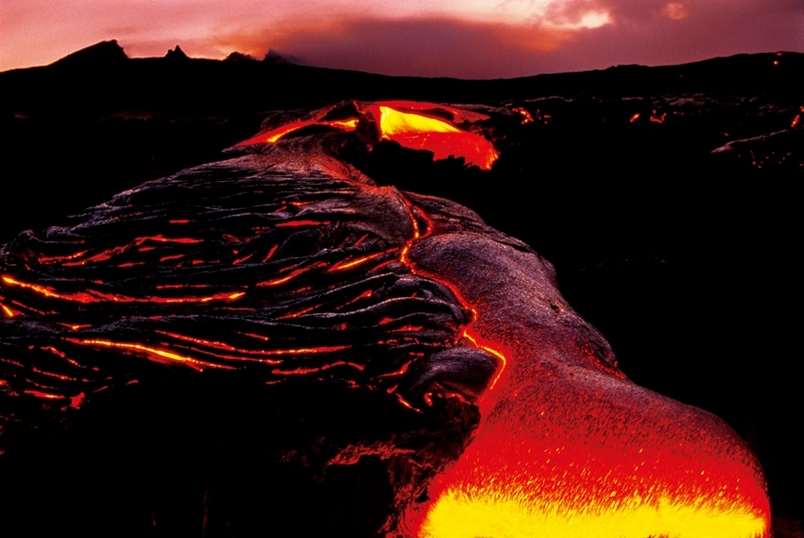 世界上最大的爆竹──火山