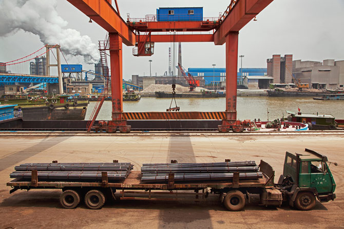 03-steel-rods-on-flatbed-huaigang-steel-670