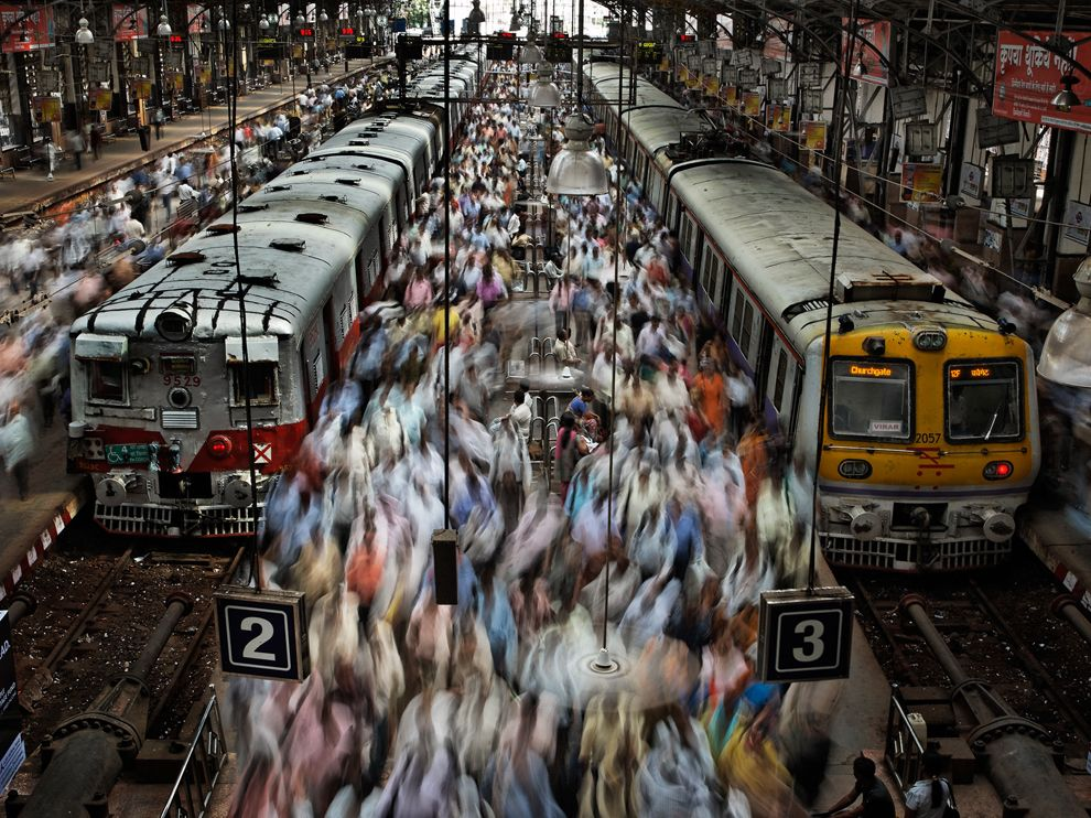railway-station-mumbai-olson_69851_990x742