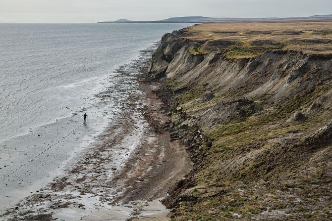 03-bolshoy-lyakhovskiy-island-coast-670