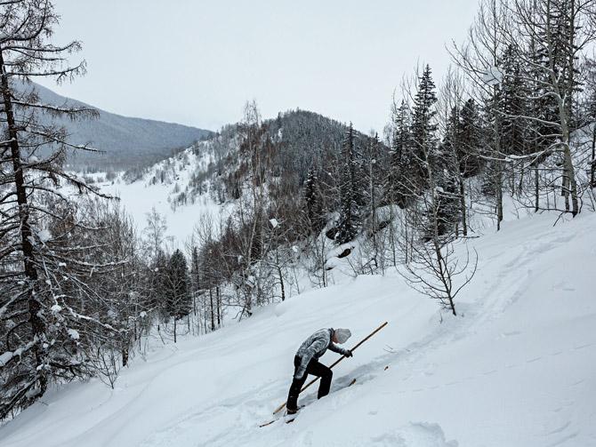13-altay-backcountry-skiing-670