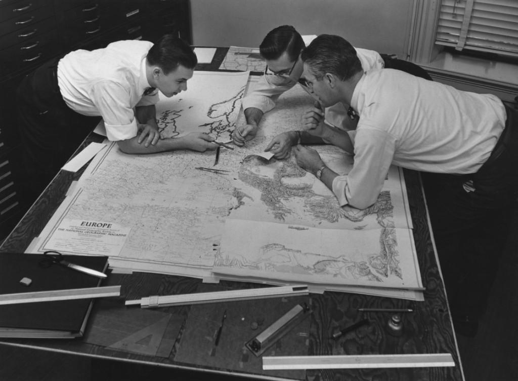 國家地理學會地圖部門所製作的地球、海洋與星空圖不僅提供豐富的資訊和創新的概念,還激發了無數人的想像力。今年,這個部門歡度了100週年。