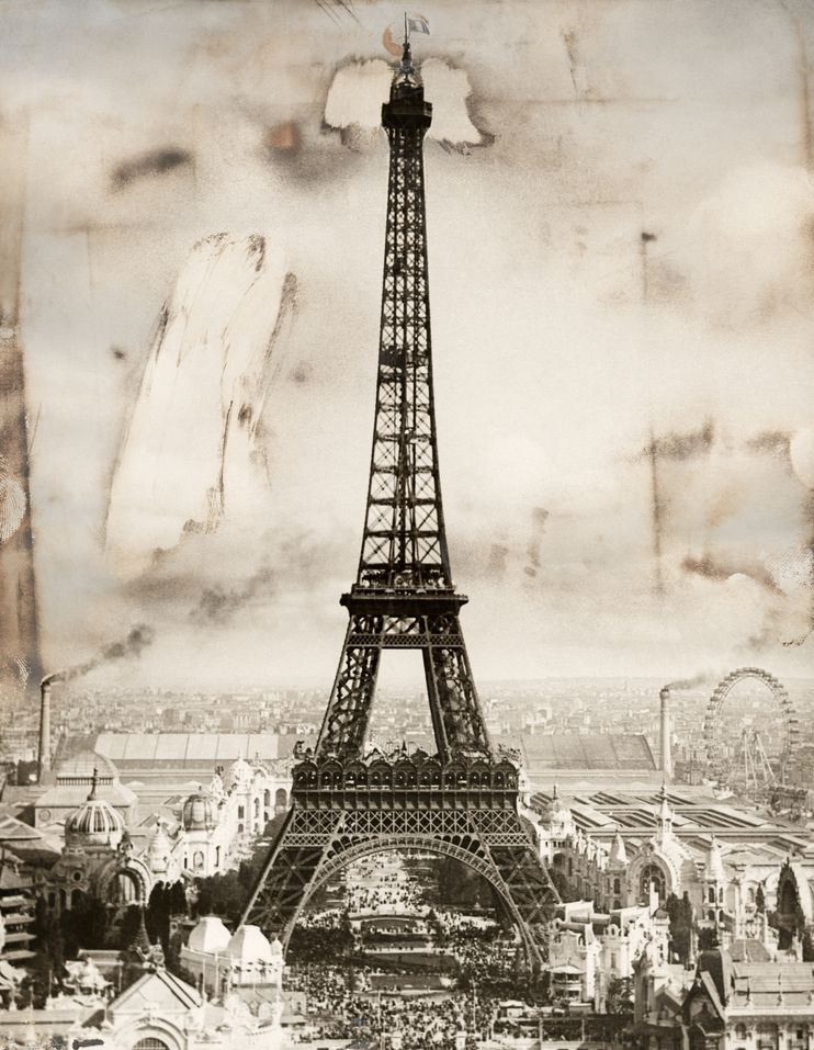 巴黎的代表性事物中,最至高無上的莫過於艾菲爾鐵塔。照片攝於1914年9月。 PHOTOGRAPH BY UNDERWOOD AND UNDERWOOD, NATIONAL GEOGRAPHIC