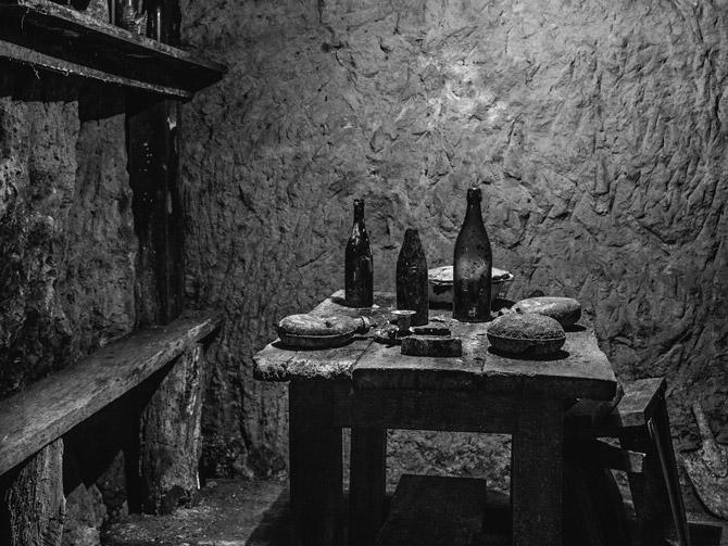 06-underground-dining-area-670