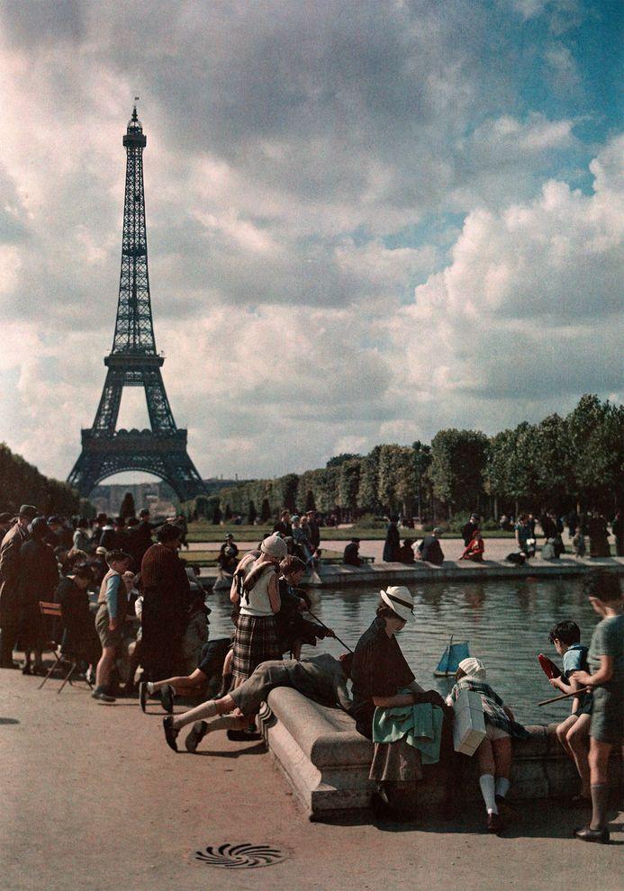 過去五百年來,巴黎一直像個大磁鐵一樣,吸引著外來移民。上圖攝於1936年。 PHOTOGRAPH BY W. ROBERT MOORE, NATIONAL GEOGRAPHIC